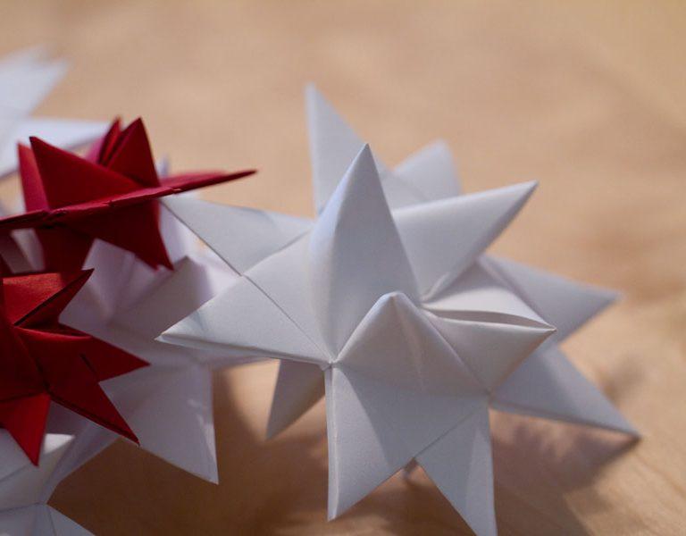 Sandra Dirks - Sterne falten in verschiedenen Varianten