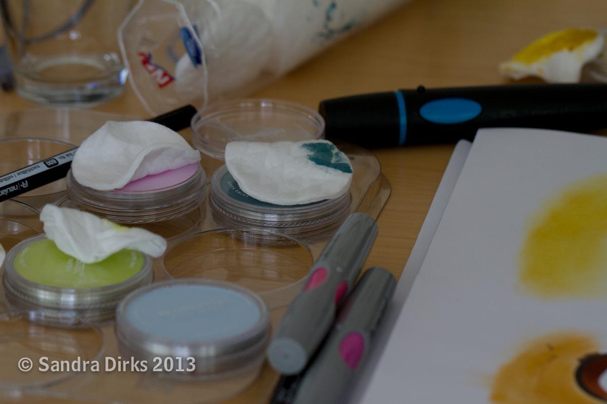 Sandra Dirks - Farbtest mit Markern und KReiden zum Thema monochrom
