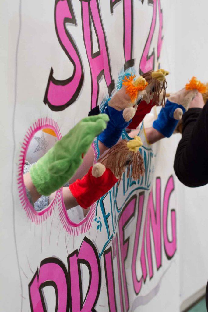 Sandra Dirks - Puppenphon erste Runde mit Teilnehmern