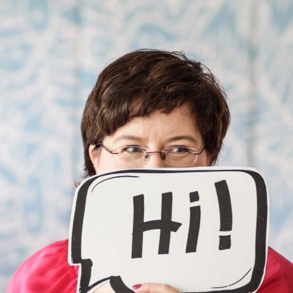 Sandra Dirks mit Sprechblase aus Foamboard