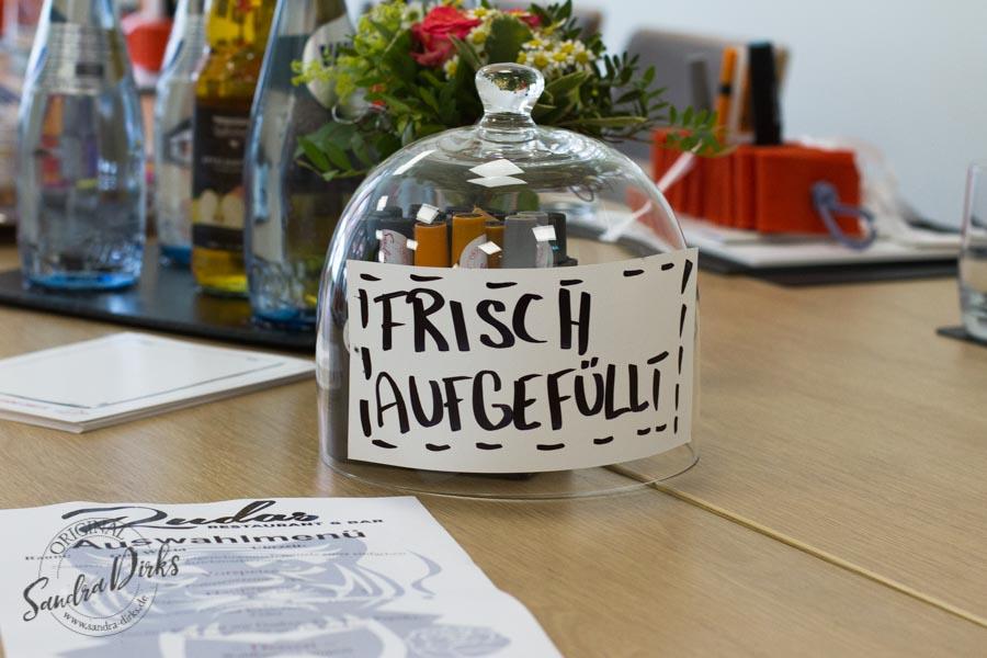 Sandra Dirks - Stiftvisite - das Visualisierungstraining in Braunschweig Marker unter der Glasglocke