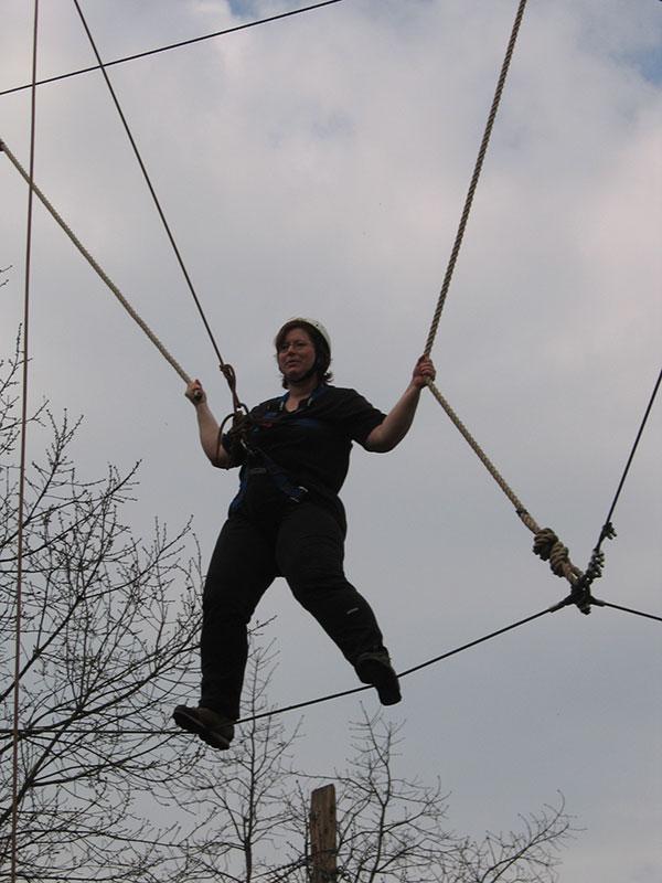 Sandra Dirks im Hochseilgarten 2003