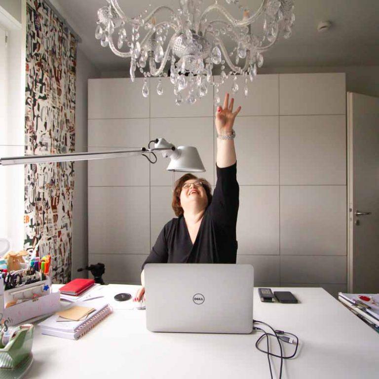 Sandra Dirks - Glücklich im neuen Homeoffice