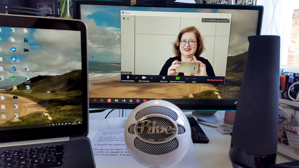 Sandra Dirks Webcam zweiter Bildschirm und Mikrofon