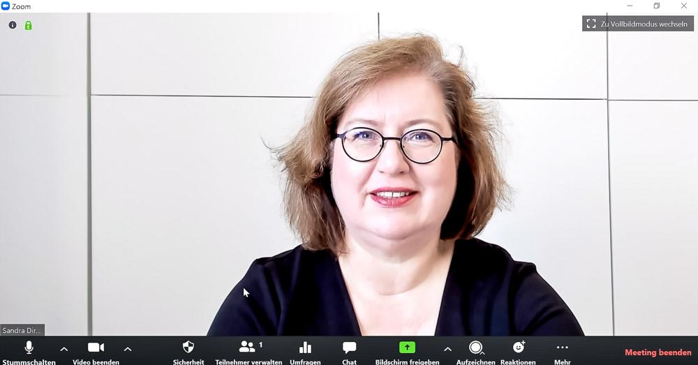 Sandra Dirks - HowTo-Webcam im Zoomfenster auf Augenhöhe